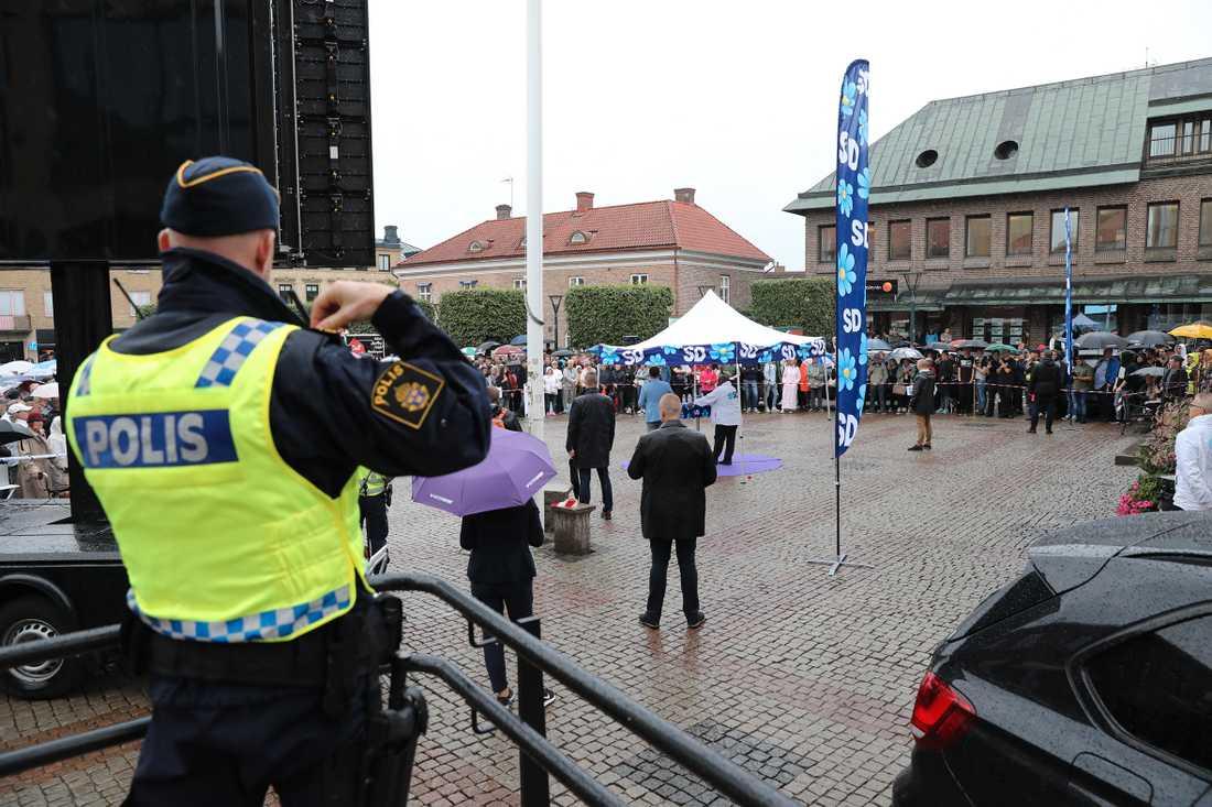 Jimmie Åkesson på torgmöte i Falkenberg.