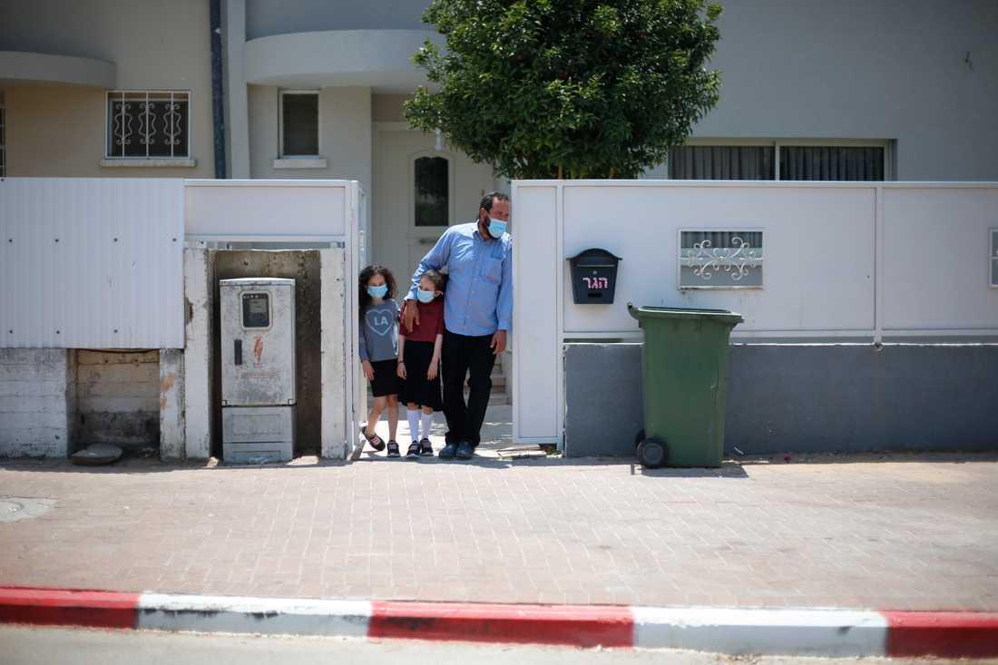 En israelisk familj i Kiryat Malakhi.