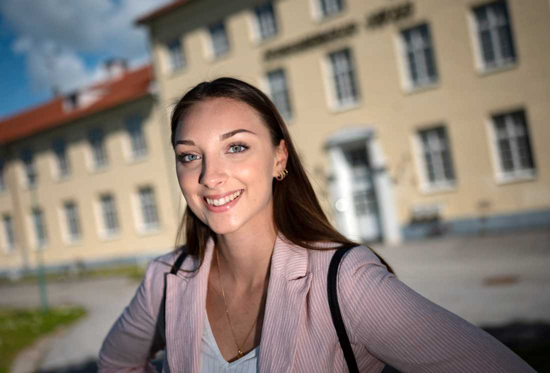 Nu då? Emma Billsten hoppas kunna hitta ett jobb till sommaren och har sökt utbildningar till hösten ifall inget jobb skulle dyka upp.