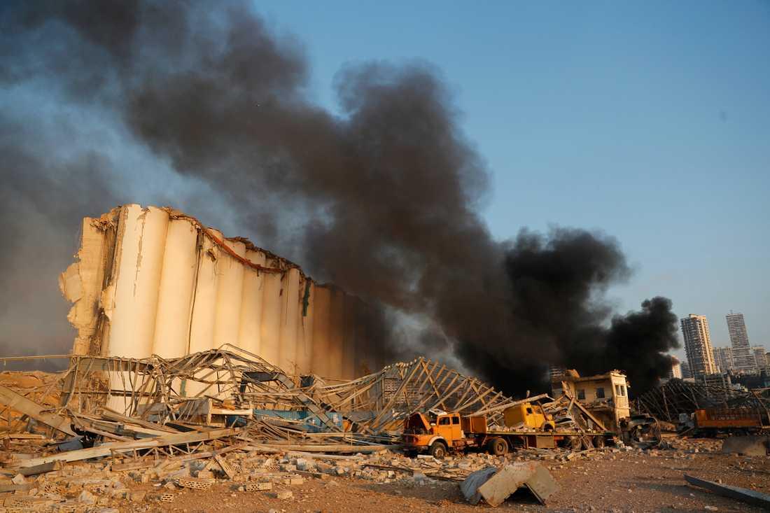 Måndagens explosion i Beiruts hamn har skadat halva staden.