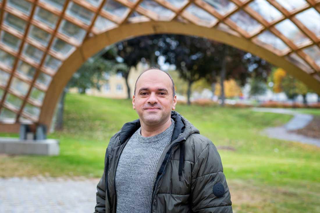 Att lära sig språket och få ett socialt nätverk var viktigt för David Malki, som kom som asylsökande från Syrien 2015.