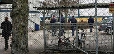 Dyster stämning på Saabs fabrik i Trollhättan när beskedet om varslen kom på torsdagen.