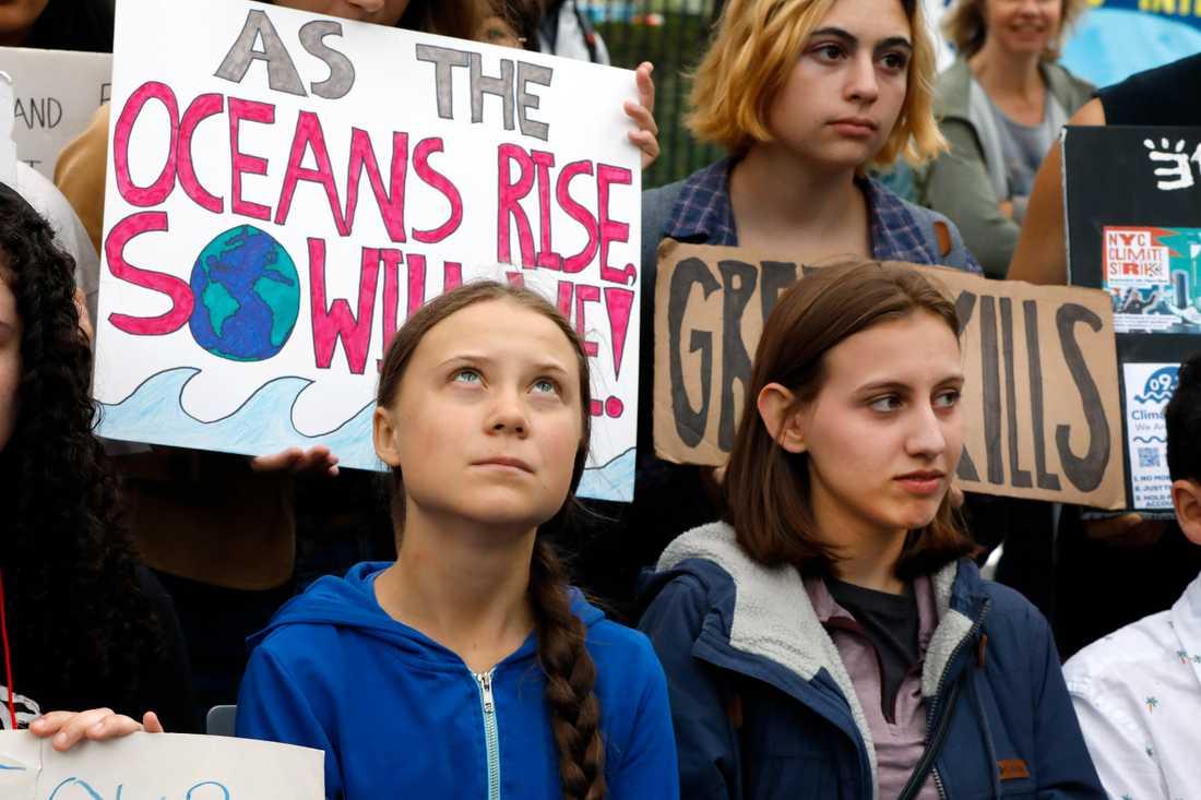 Greta Thunberg vid en demonstration utanför FN-högkvarteret i New York. Arkivbild.