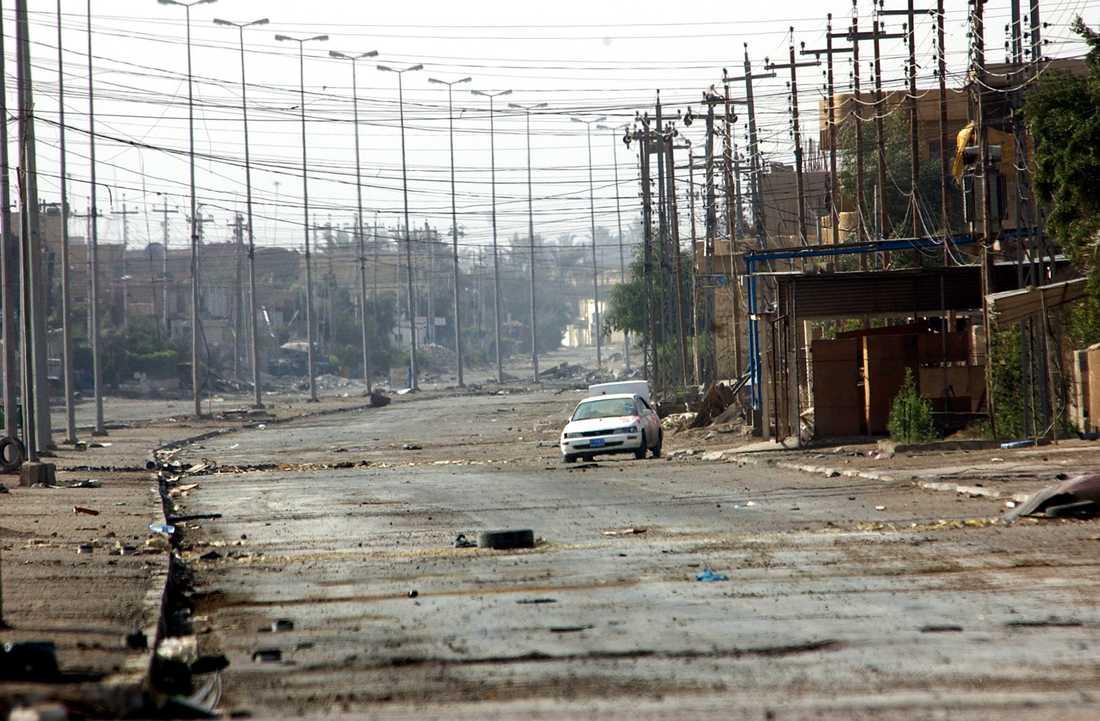 En övergiven gata i Falluja den 26 november 2004.