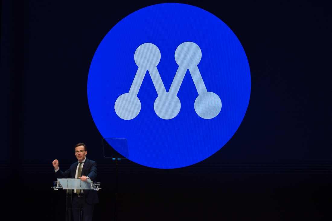 På M:s Sverigemöte i Karlstad presenterade Ulf Kristersson partiets nya logga.