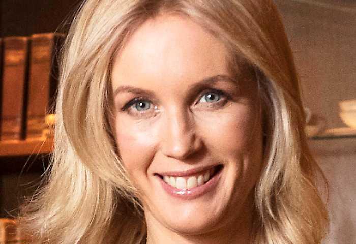 Jenny Strömstedt, programledare och krönikör.