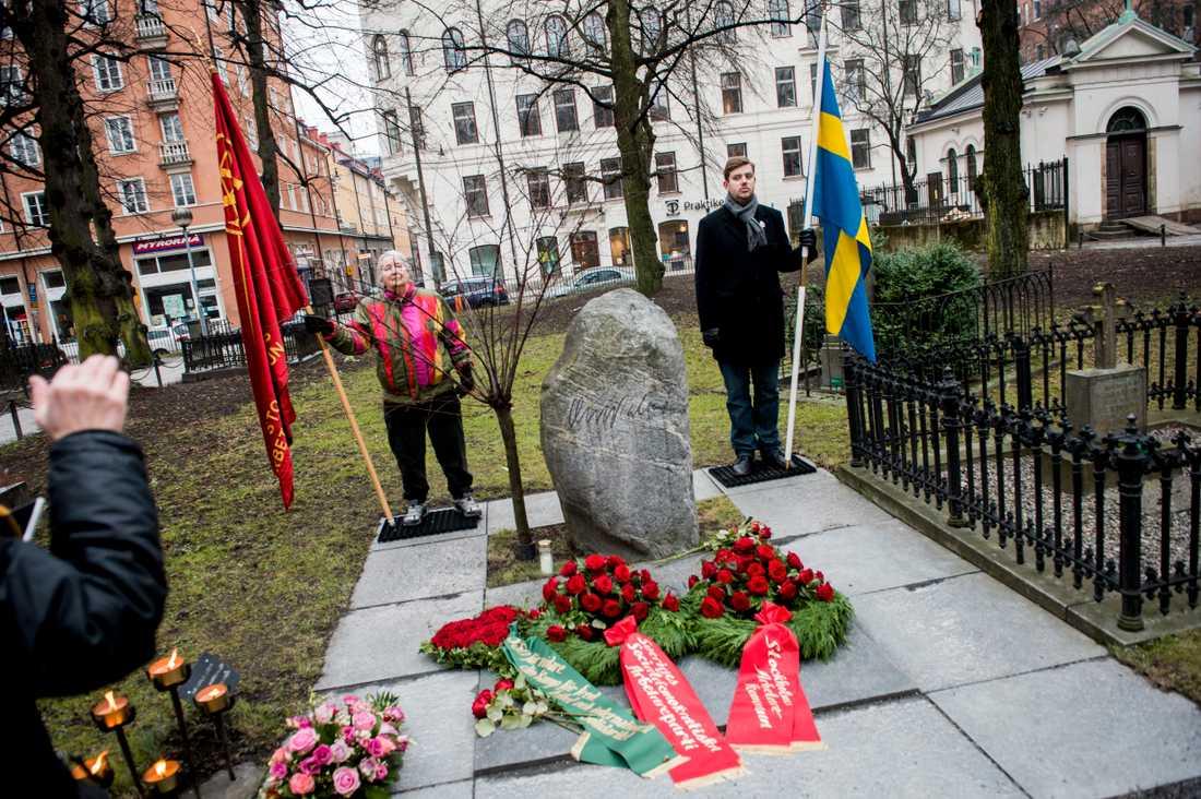 Olof Palmes grav vid Adolf Fredriks kyrka i centrala Stockholm.