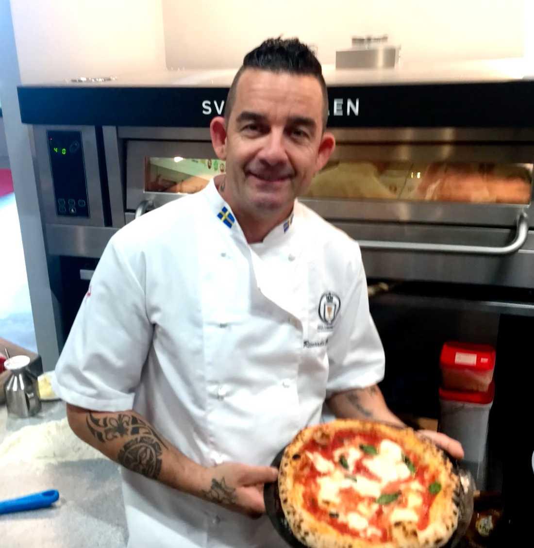 Riccardo var i Italien när restaurangen brann ner.