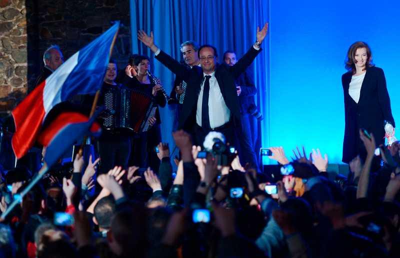 lovar aktiv krispolitik François Hollande vill att Frankrike och Europa ska arbeta och investera sig ur krisen. Hans flaggskepp är förslaget att anställa 60000 personer i utbildningssektorn.