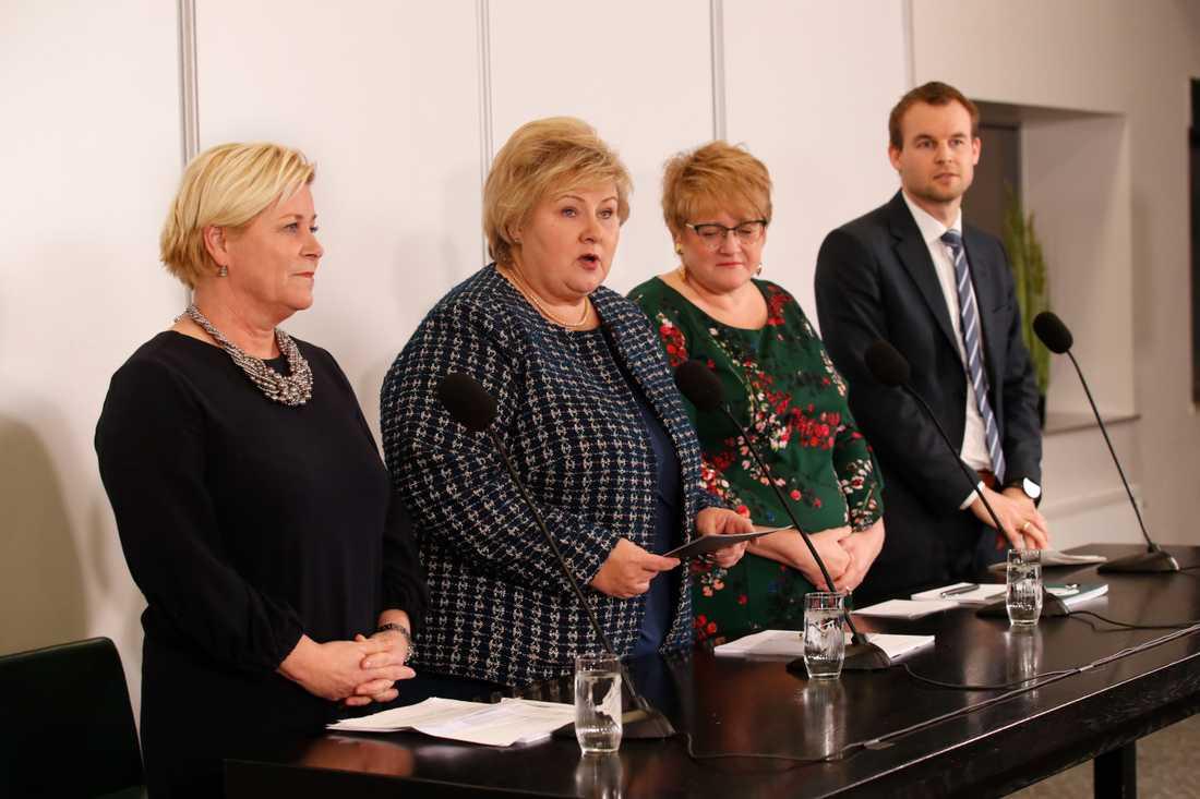 Fremskrittspartiets Siv Jensen, statsminister Erna Solberg (Høyre), Venstres Trine Skei Grande och Kristelig Folkepartis viceledare Kjell Ingolf Ropstad.