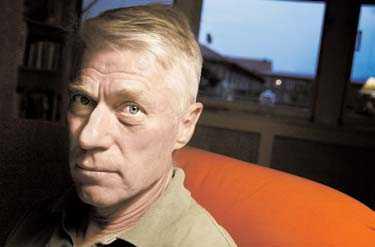 Klarade sig mirakulöst SVT-profilen Jan Svanlund, 63, överlevde med ett nödrop dykningsolyckan.