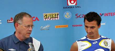 i kontakt Nu har Lars Lagerbäck och Zlatan Ibrahimovic pratat med varandra.