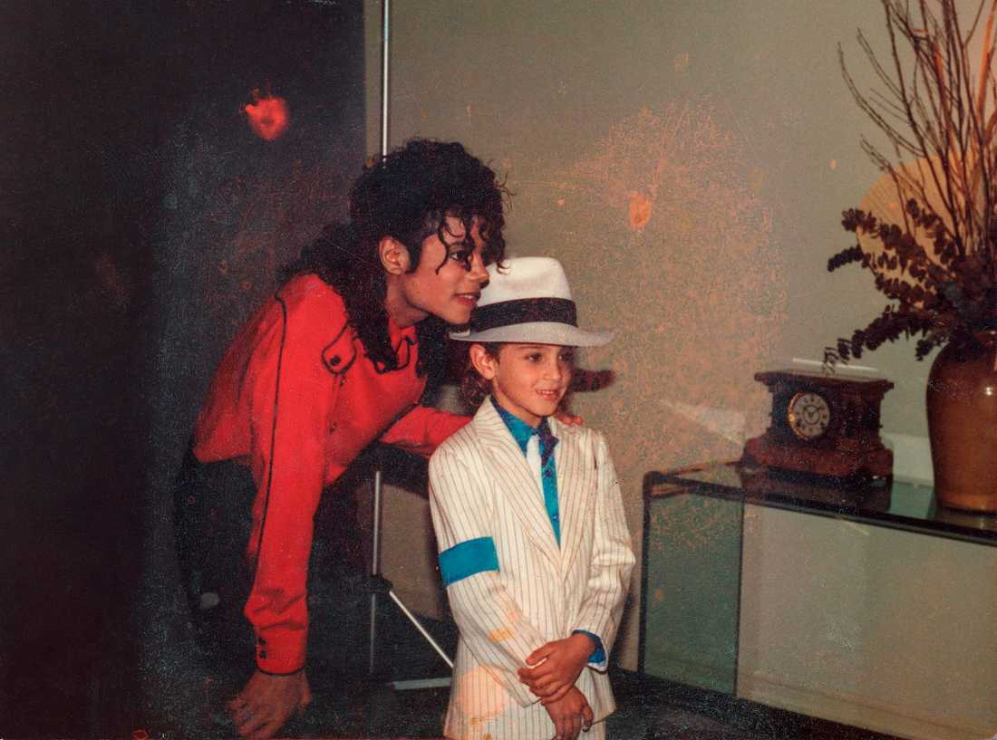 "Ur ""Leaving Neverland""."