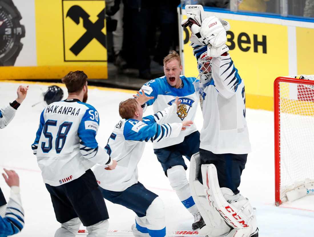 Finlands VM-hjältar efter slutsignalen.