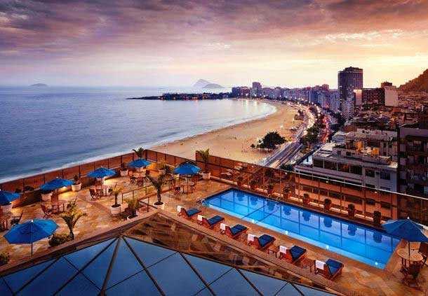 Här på lyxhotellet JW Marriott, ett stenkast från Copacabana, bodde Kriminalvårdens personal när de skulle hämta hem Lars Wallin.