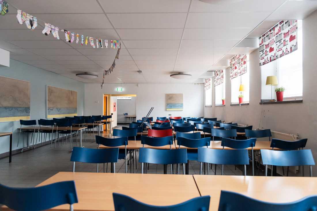 Tomma skolmatsalar på grund av virusrestriktioner ökar risken för sämre matvanor bland gymnasieelever. Arkivbild.