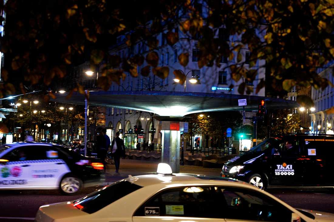 Genrebild från centrala Stockholm. Bilden har inget med texten att göra.