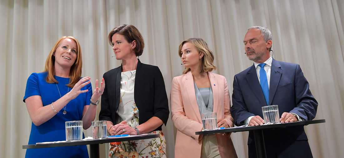 Alliansens partiledare Annie Lööf (C), Anna Kinberg Batra (M), Ebba Busch Thor (KD) och Jan Björklund (L) på tisdagens pressträff.