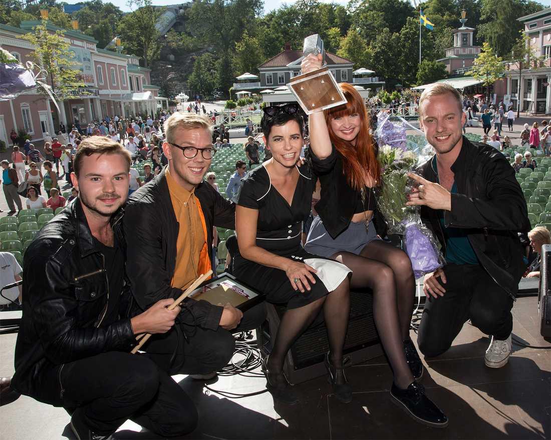 EKO tillsammans med Sveriges Radios programledare Carolina Norén.