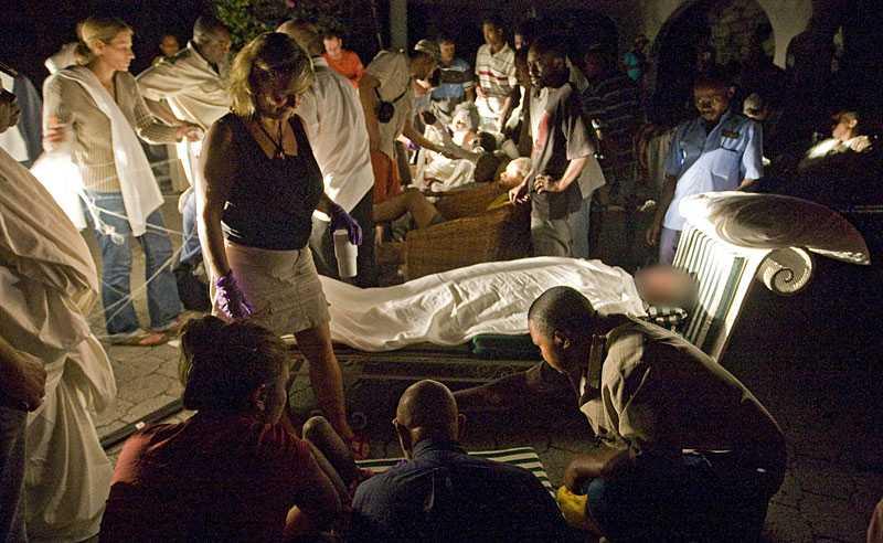 hotell blev sjukhus Sjukhuset i Port-au-Prince rasade vid jordbävningen. Hundratals skadade tas istället om hand på Hotell Villa Creole i huvudstaden.