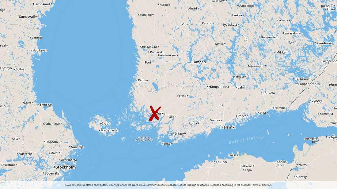Över 400 personer deltog i tillslag på ett tiotal platser på fastlandet och öar utanför Pargas i sydvästra Finland.