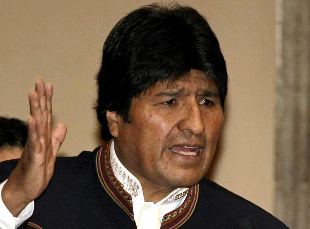 Hotad gasexport Bolivias president Evo Morales utvisade i onsdags USA:s ambassadör i La Paz. Morales anser att det är ambassadörens fel att gasexporten är hotad av oppositionella grupper.