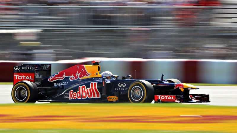 Sebasian Vettel tog över ledningen på det 22:e varvet och höll den in i mål