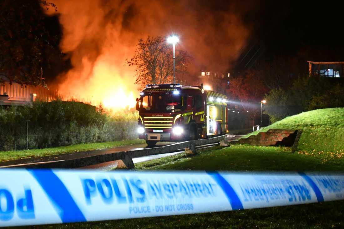 Det finns inga kända vittnesuppgifter om hur branden startade.