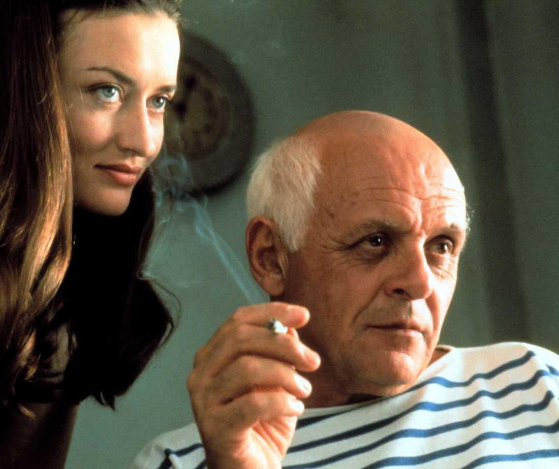 Natascha McElhone som en av älskarinnorna och Anthony Hopkins som Pablo Picasso.