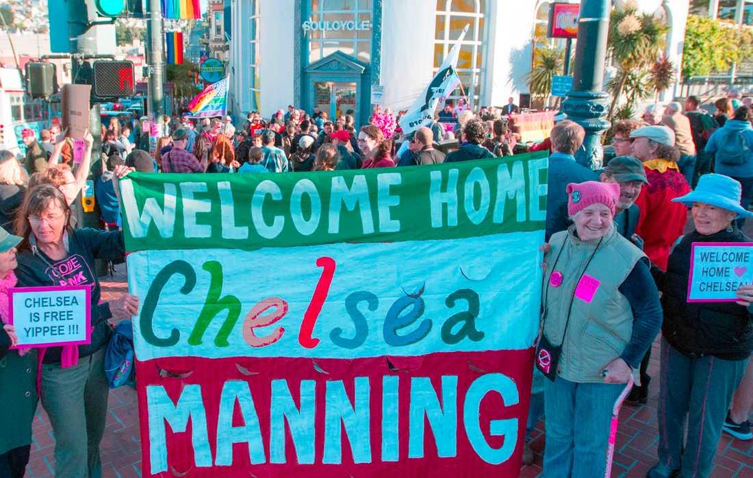 Mannings frigivande möttes av glada hurrarop.
