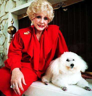 Mary Kay Ash gav sina anställda rosa Cadillac-bilar.