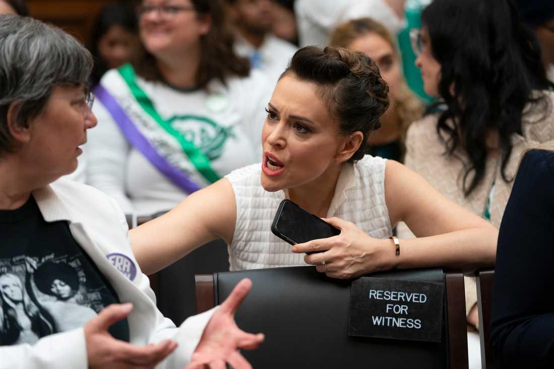 Efter att Alabama röstat igenom den strikta abortlagen uppmanar aktivisten och skådespelaren Alyssa Milano kvinnor att sexstrejka.