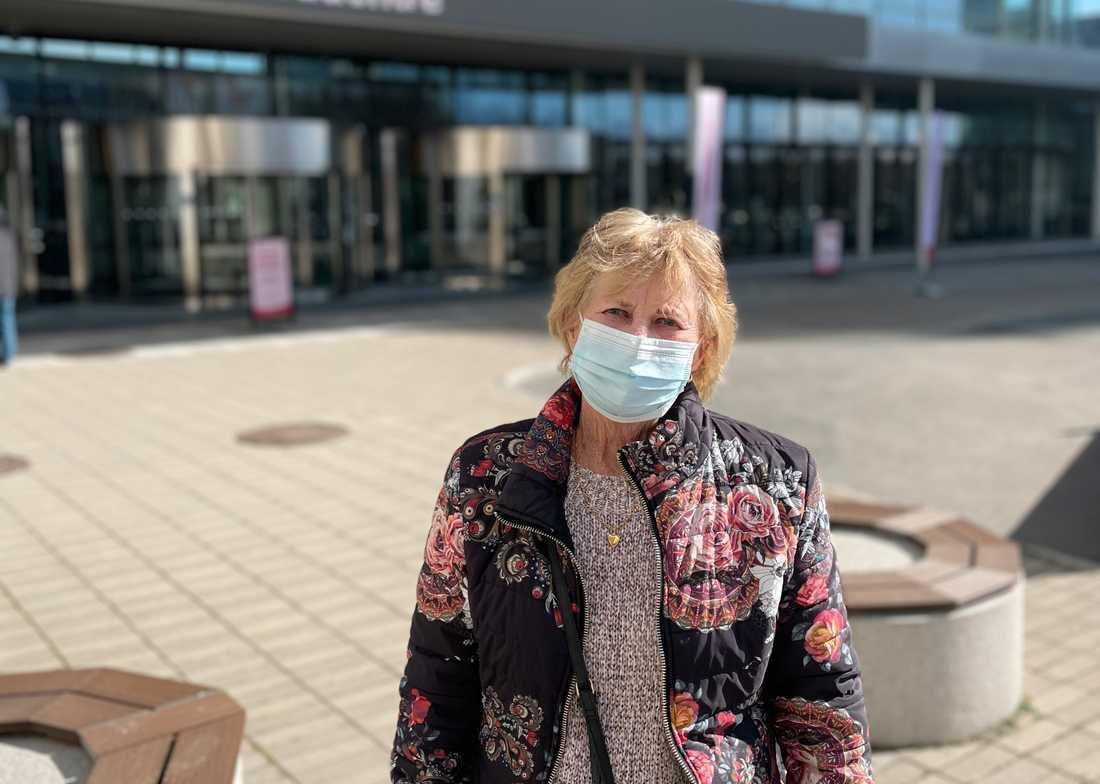 """""""Man får ju ingen information, det enda är ju massmedia. Och det är endera åt det ena eller andra hållet"""", säger Margareta Ahlström."""