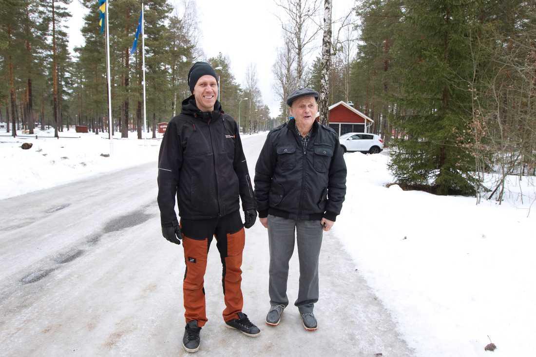 """""""Jag är lite som en man som heter Ove. Jag har koll på det mesta som händer här i Mohed"""", säger Andreas som räddade livet på 83-årige Åke."""