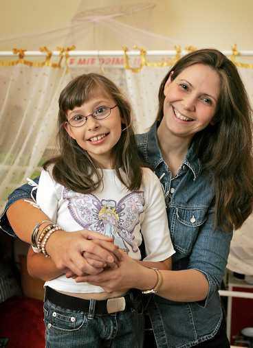 till barnsångsfestival Emilia Eklund och mamman Francesca är förväntansfulla.