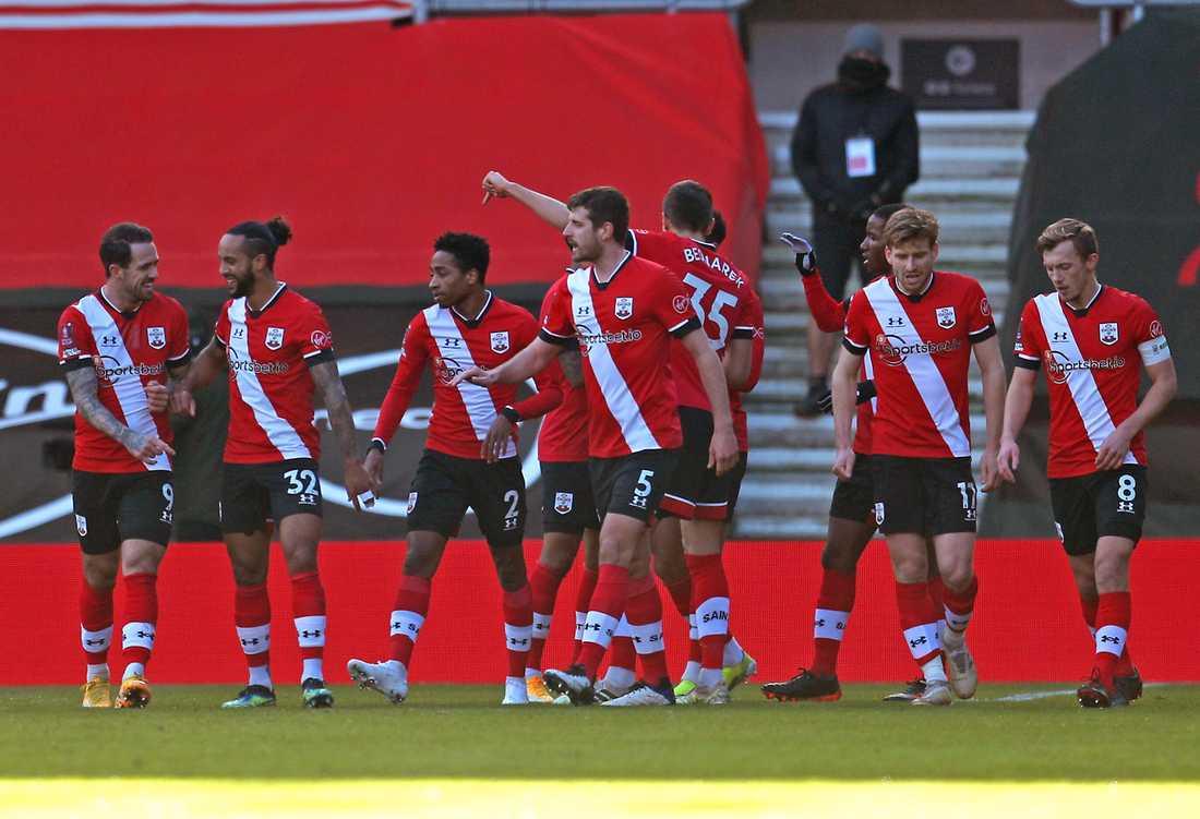 Southampton är vidare i FA-cupen efter Arsenals Gabriel Magalhaes självmål.