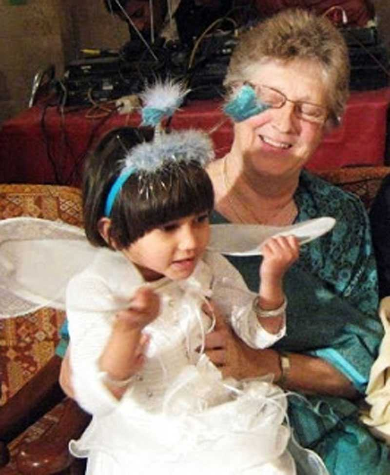 SKÖTS AV RÅNARE Missionären Birgitta Almeby, 71, vårdas på sjukhus efter att blivit skjuten i Pakistan.