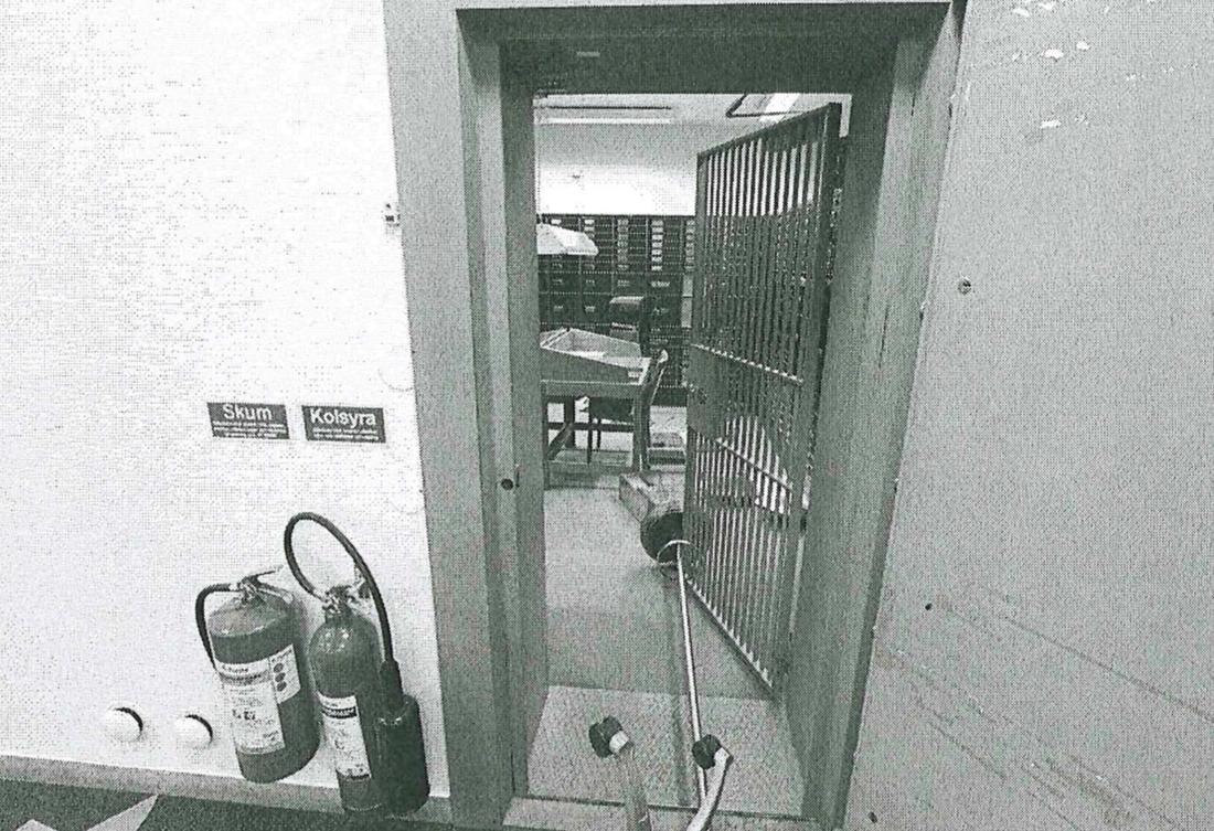 Polisens dokumentation av brottsplatsen och bankvalvet.