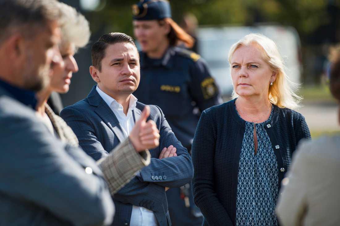 Kristina Winberg, längst till höger. Bredvid Emilian Pavel parlamentariker från Rumänien.