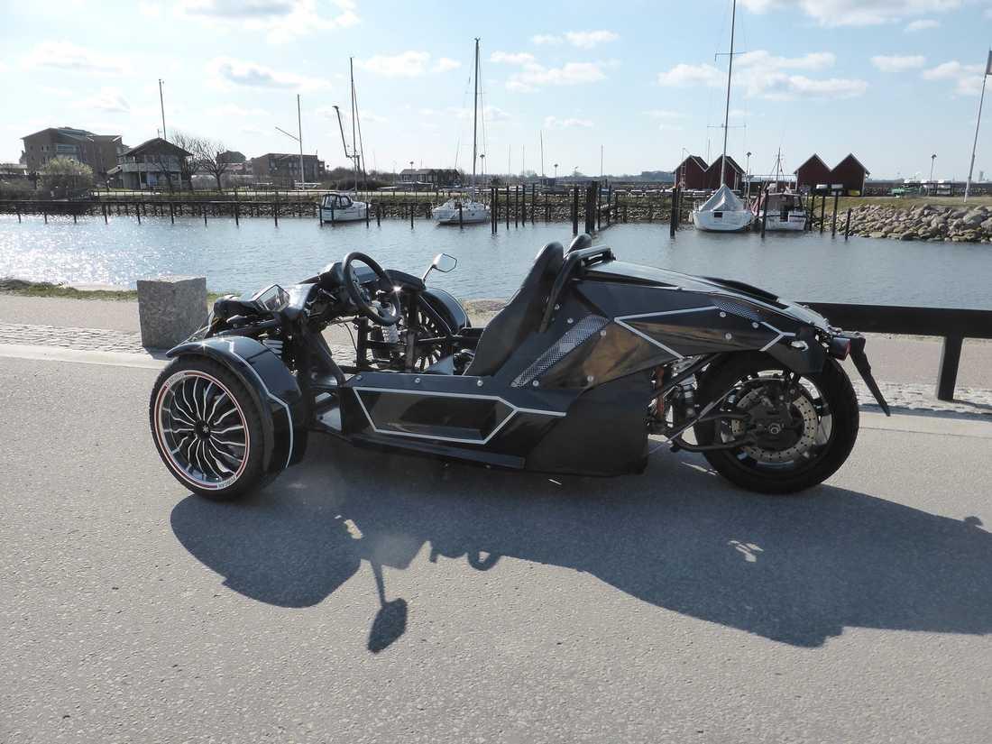 En ny eldriven trehjulig motorcykel har sett dagens ljus.