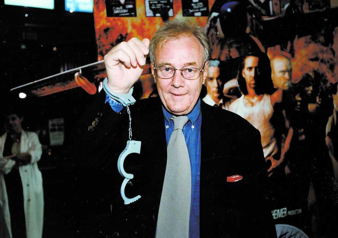 """Lasse Strömstedt var en självklar gäst på filmen """"Con Airs"""" premiär 1997."""