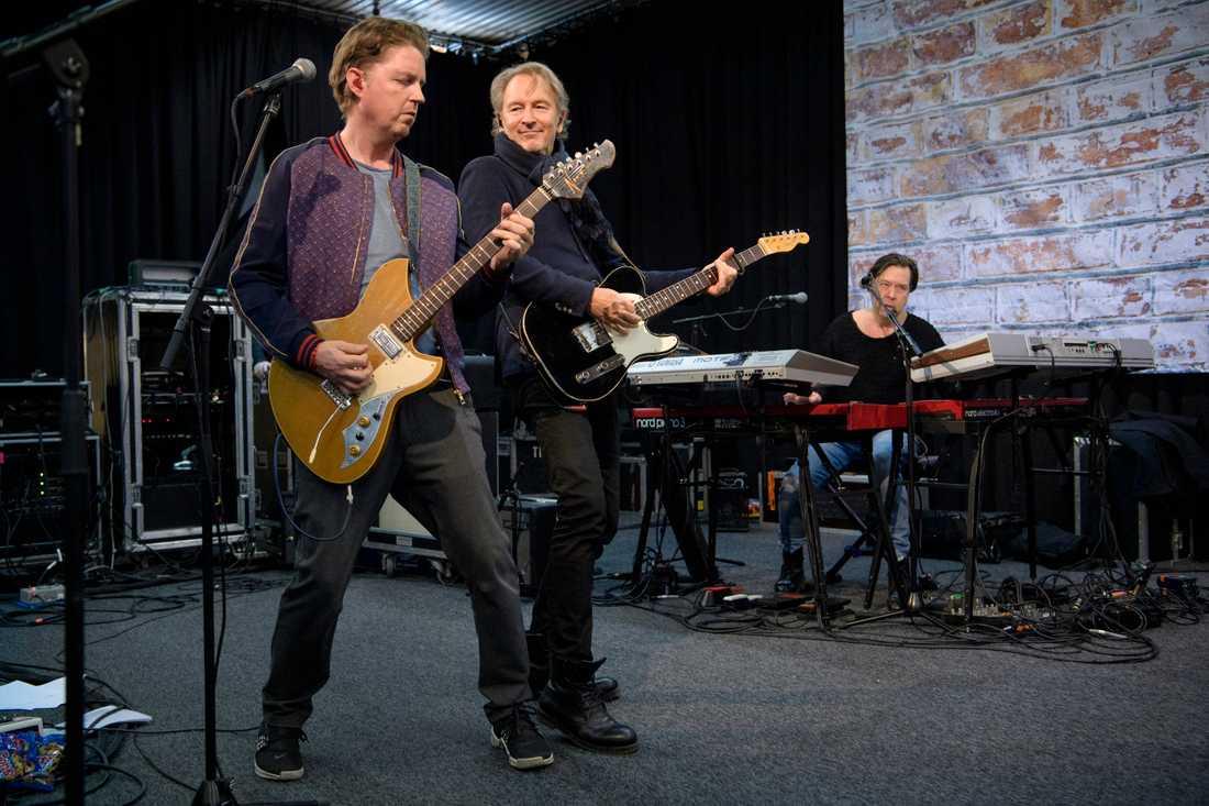 Tomas Ledin har spelat ihop med samma band i 20 år.