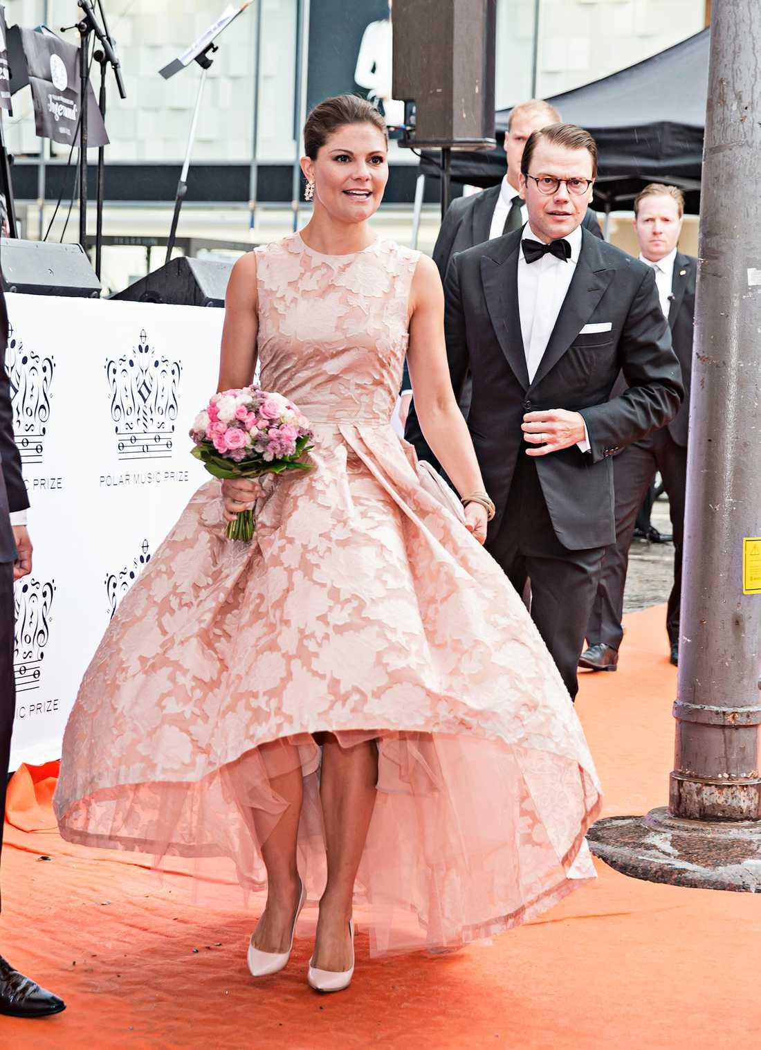 Victoria på Polarpriset 2014 klädd i en pastelldröm som kommer från H&M.