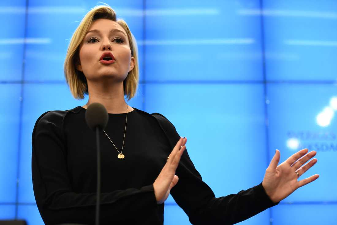 Kristdemokraternas partiledare Ebba Busch Thor vid en pressträff i riksdagens presscenter efter sitt möte med talmannen.