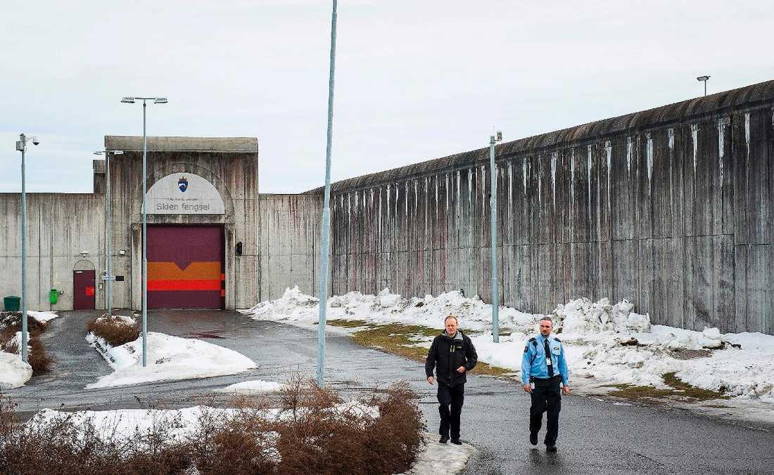 Behring Breivik avtjänar sitt straff i fängelset i Skien.