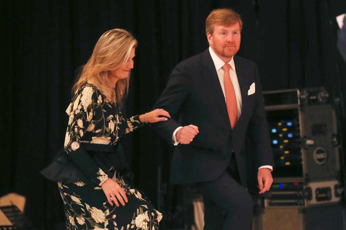 Drottning Máxima och kung Willem-Alexander av Nederländerna. Bild från i våras.