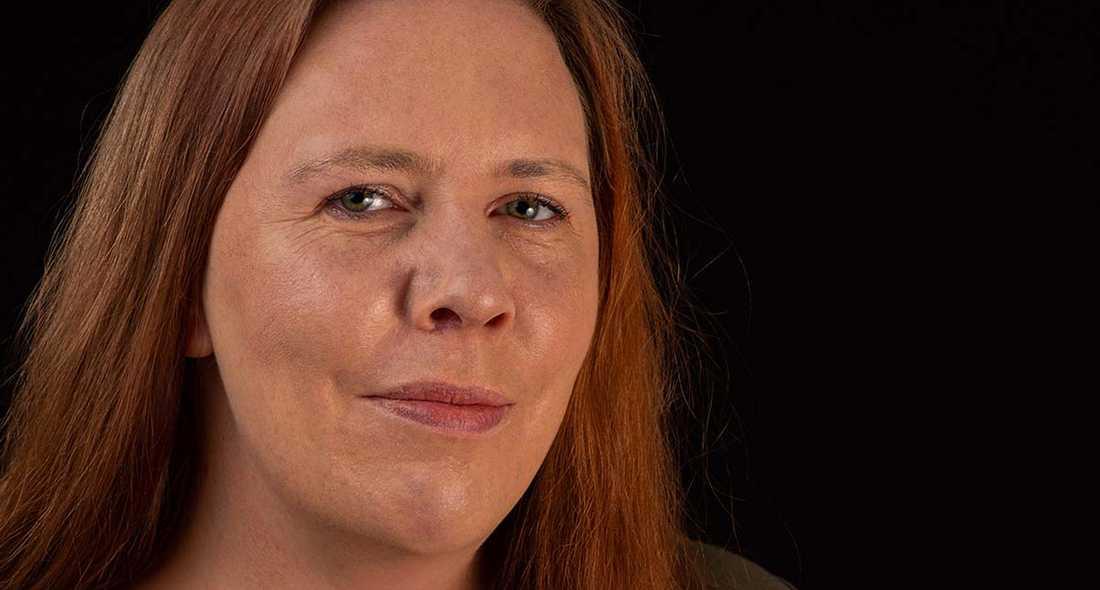 """Författaren Martina Montelius, aktuell med """"Avlivningskliniken Tusenskönan""""."""