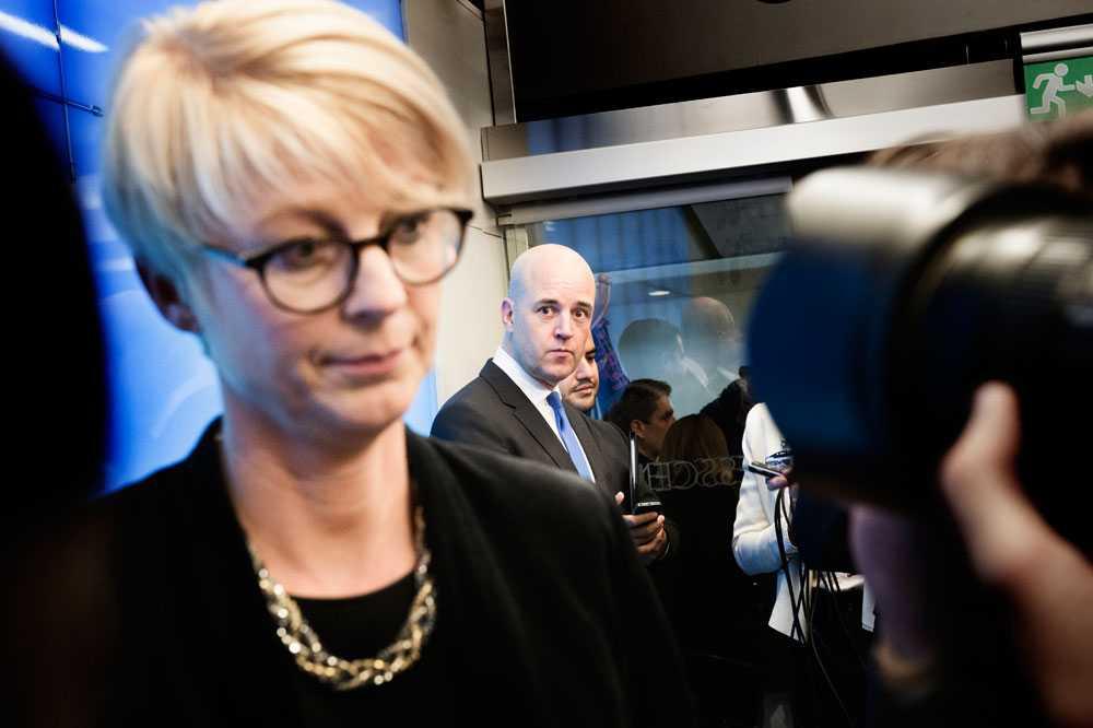 Nya arbetsmarknadsministern Elisabeth Svantessons församling Kristet center har flera gånger bjudit in en pastor som uttalat sig antisemitiskt.