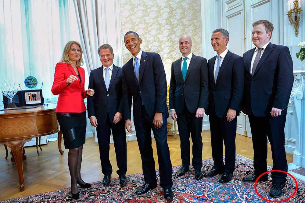 De nordiska ledarna tillsammans med Barack Obama. Men vad har Islands statminister egentligen på fötterna?