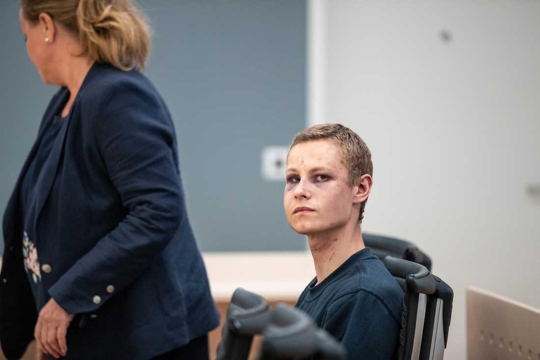 Philip Manshaus, 21, misstänks för att ha mördat sin lillasyster innan han gick till attack mot moskén i norska Bærum.